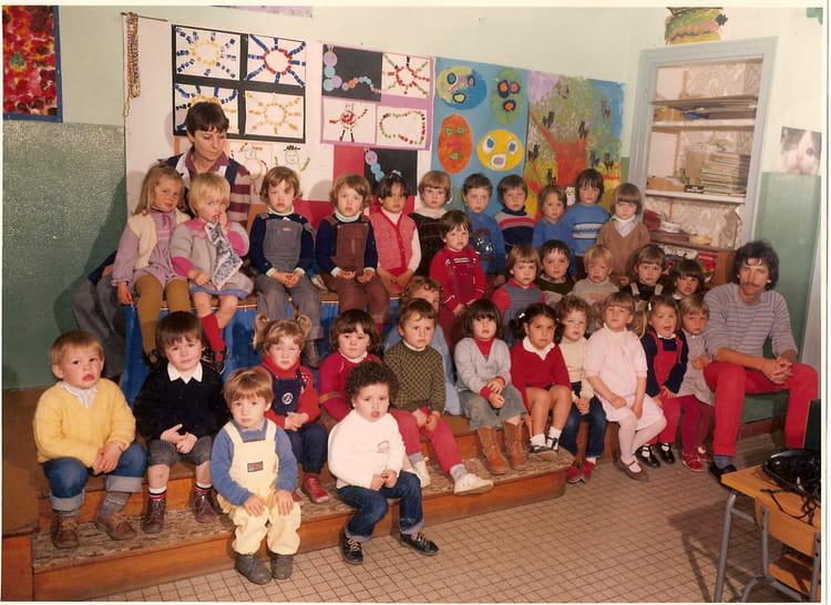 photo de classe maternelle de 1982 ecole jean mace hennebont copains d 39 avant. Black Bedroom Furniture Sets. Home Design Ideas