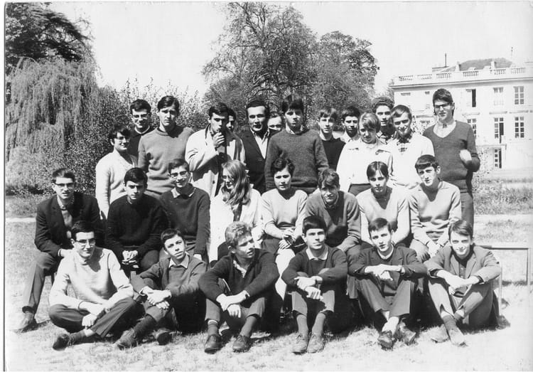 Photo de classe terminale math elem de 1967 lyc e notre for Domon jacques