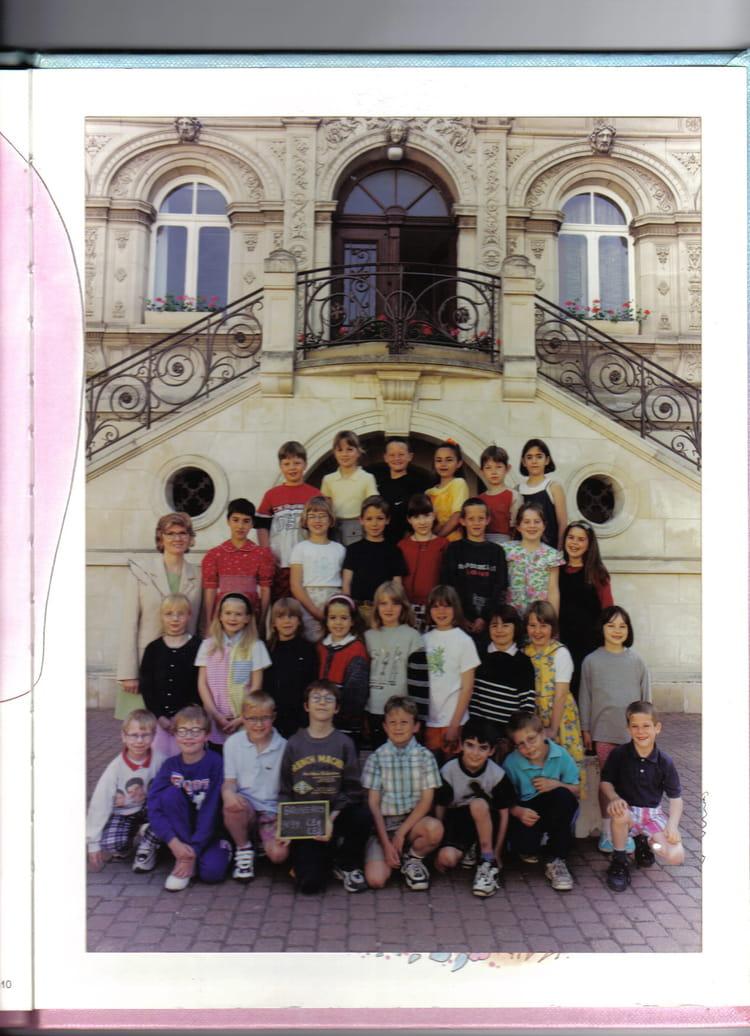 photo de classe ce1 de 1998 ecole primaire bruyeres et montberault copains d 39 avant. Black Bedroom Furniture Sets. Home Design Ideas