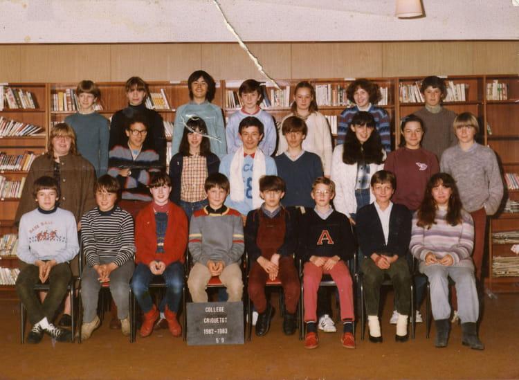 photo de classe 5 9 de 1983 coll ge l 39 oiseau blanc copains d 39 avant. Black Bedroom Furniture Sets. Home Design Ideas