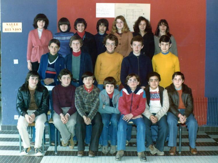 photo de classe 6 u00e8me de 1975  coll u00e8ge des deux pins