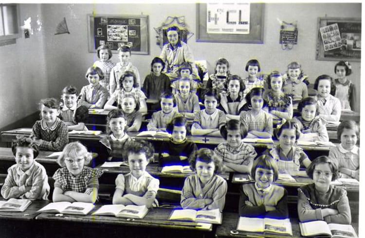 photo de classe claire 4 me 1953 54 st maur des foss s les tilleuls de 1955 ecole des. Black Bedroom Furniture Sets. Home Design Ideas