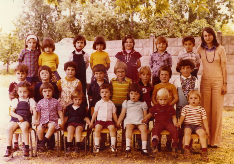 photo de classe maternelle ps ms de 1976 ecole jayol saint just sur loire saint just saint. Black Bedroom Furniture Sets. Home Design Ideas