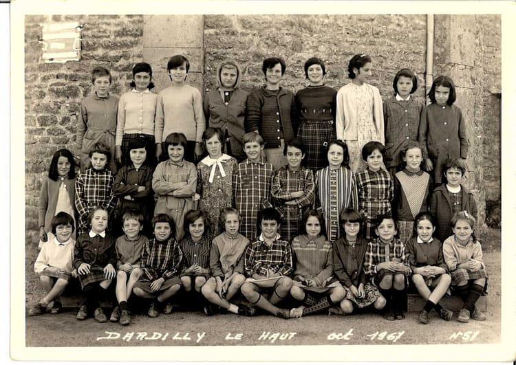 photo de classe primaire de 1967 ecole primaire dardilly le haut copains d 39 avant. Black Bedroom Furniture Sets. Home Design Ideas