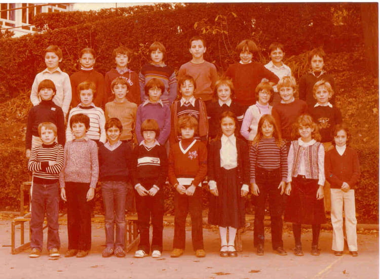 photo de classe classe de cm2 de 1981 ecole beaulieu copains d 39 avant. Black Bedroom Furniture Sets. Home Design Ideas