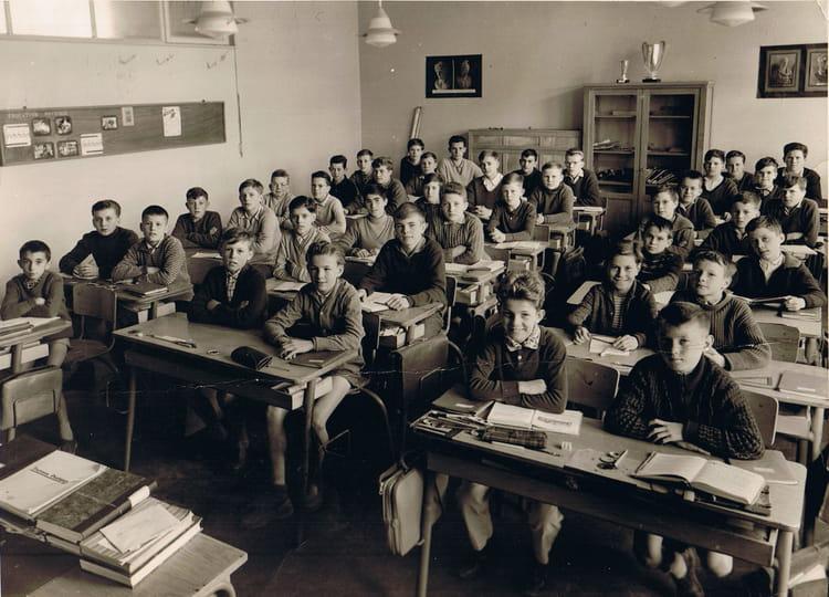 Photo de classe fin d 39 tude 2eme ann e de 1962 ecole cote for Mr piscine thionville