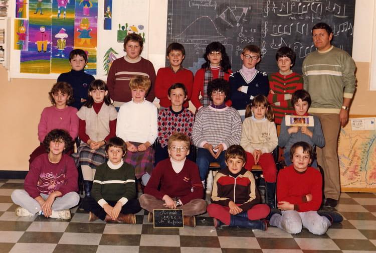 Photo de classe cm2 de 1982 ecole notre dame eurville for Eurville bienville