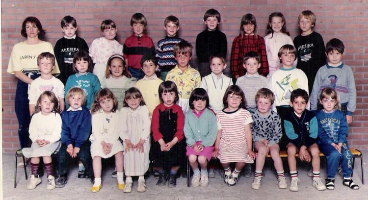 photo de classe cp de 1986 ecole bleue maison eperlecques copains d 39 avant. Black Bedroom Furniture Sets. Home Design Ideas