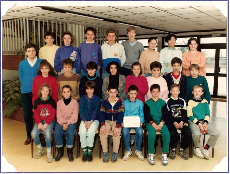 photo de classe 5eme de 1987 coll 232 ge porte du m 233 doc copains d avant