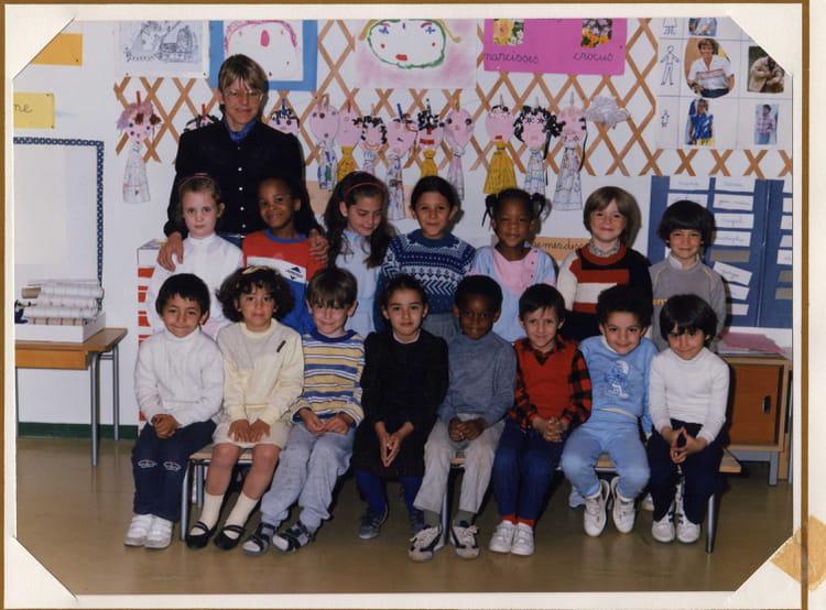 Photo de classe Grande section maternelle 1984 1985 de 1985, Ecole Louis Pergaud (Sainte  # Auto Ecole Sainte Genevieve Des Bois