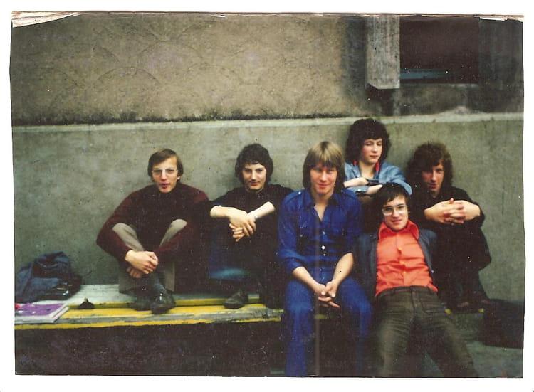 photo de classe terminale f1 de 1977 lyc e nicephore niepce copains d 39 avant. Black Bedroom Furniture Sets. Home Design Ideas