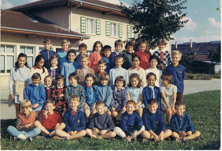 Photo de classe cm2 de 1969 ecole cornieres ville la - Cuisiniste ville la grand ...
