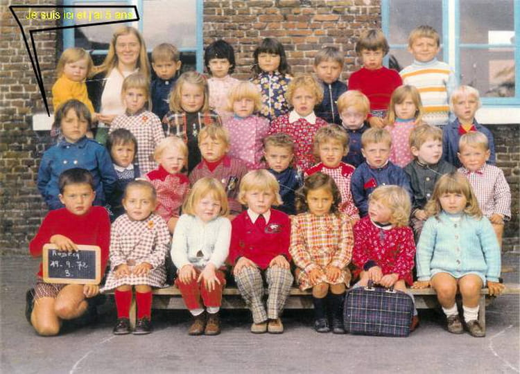 photo de classe maternel de 1972  ecole la clarence  robecq