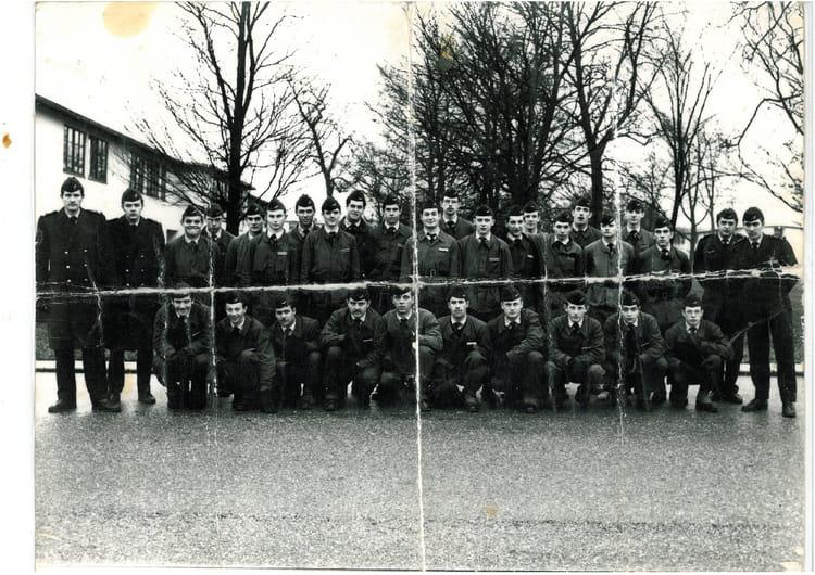 photo de classe la 12 74 de 1970 ba 136 toul rosieres copains d 39 avant. Black Bedroom Furniture Sets. Home Design Ideas