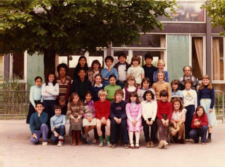 photo de classe c m 1 de 1977 ecole jean jacques rousseau copains d 39 avant. Black Bedroom Furniture Sets. Home Design Ideas