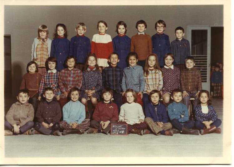 photo de classe ce1 de 1971 ecole jean mace nogent le rotrou copains d 39 avant. Black Bedroom Furniture Sets. Home Design Ideas