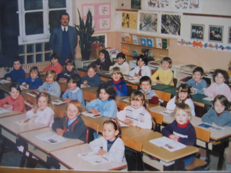 Photo de classe cp de 1985 ecole sevigne hellemmes lille for Ecole cuisine lille