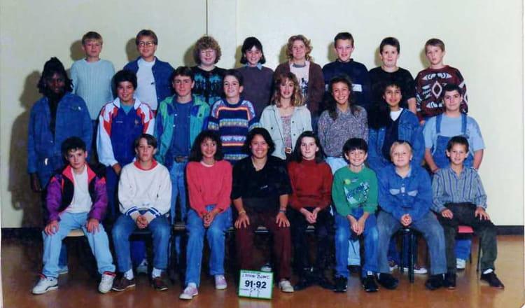 photo de classe 5 me 5 de 1991 coll ge l 39 oiseau blanc copains d 39 avant. Black Bedroom Furniture Sets. Home Design Ideas