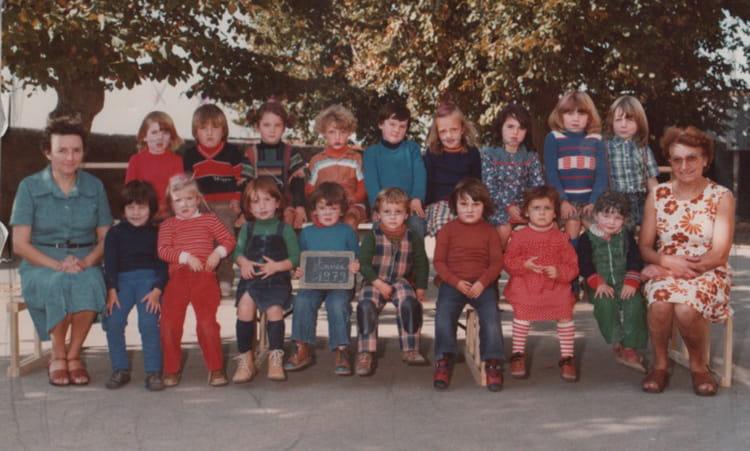 photo de classe maternelle ecole publique vern d 39 anjou de 1979 ecole herve bazin vern d. Black Bedroom Furniture Sets. Home Design Ideas