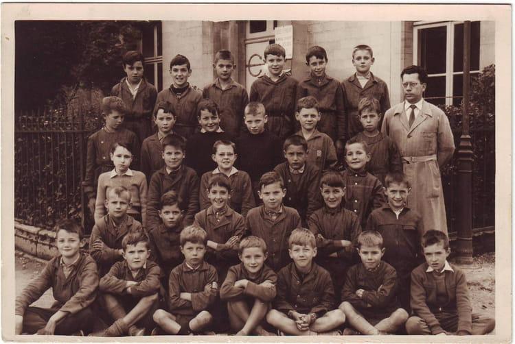 Photo de classe cm1 ou cm2 eurville de 1961 ecole notre for Eurville bienville