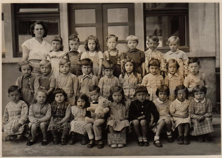 photo de classe classe maternelle du petit banc de 1956 ecole du 12 septembre 1944 vittel. Black Bedroom Furniture Sets. Home Design Ideas