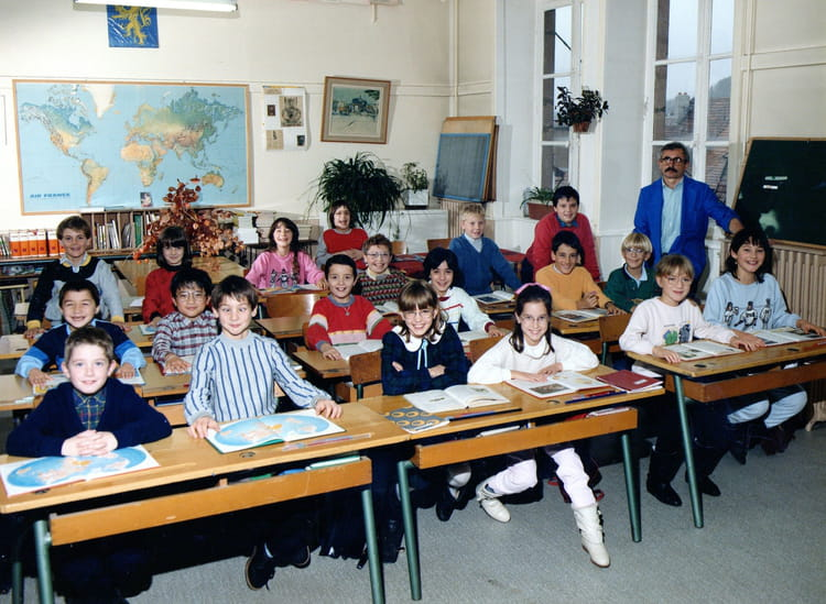 photo de classe cm1 de 1986 ecole fosses montbeliard copains d 39 avant. Black Bedroom Furniture Sets. Home Design Ideas