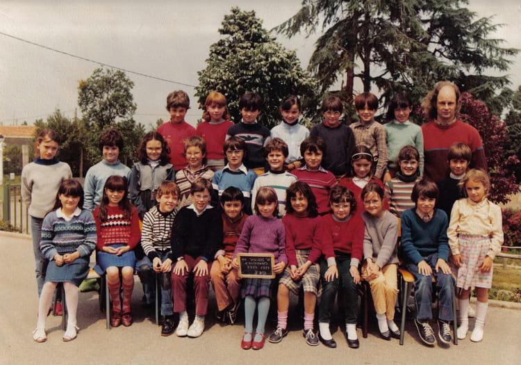 Photo De Classe Ce2 De 1983 Ecole Jean Brelet Saint Julien De