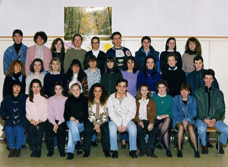 Photo de classe 2nde bep a de 1990 saint thomas de for A thomas cousins salon