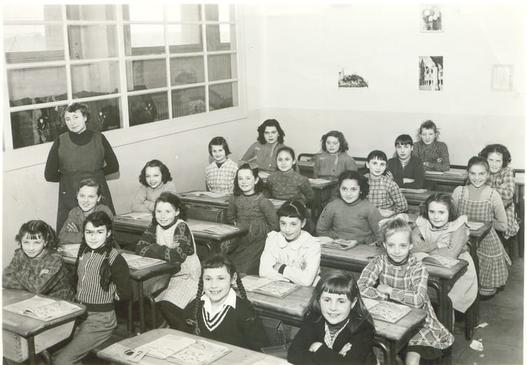 photo de classe primaire de 1956 ecole ferdinand buisson sainte genevieve des bois copains. Black Bedroom Furniture Sets. Home Design Ideas