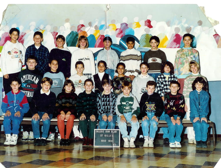 photo de classe 6e1 de 1992 coll ge jean vilar copains d 39 avant. Black Bedroom Furniture Sets. Home Design Ideas