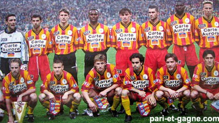 Photo de classe r c lens 1997 1998 de 1997 rc lens copains d 39 avant - Rc lens coupe de la ligue ...