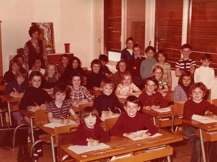 photo de classe cm1 1974 de 1974 ecole tronchon meaux copains d 39 avant. Black Bedroom Furniture Sets. Home Design Ideas
