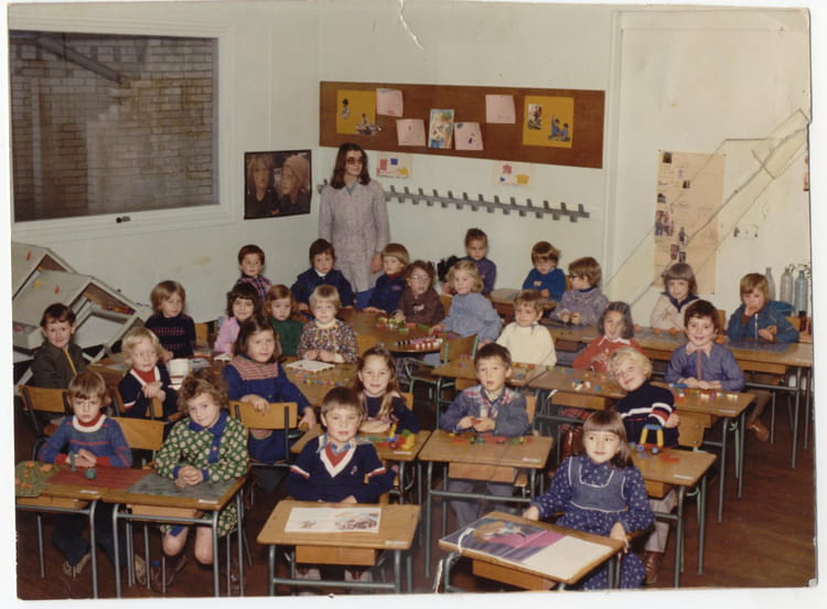 photo de classe classe de maternelle de 1977 ecole saint. Black Bedroom Furniture Sets. Home Design Ideas