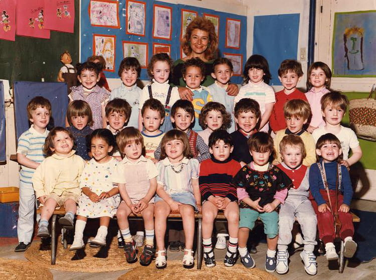 Photo de classe 1ere ann e maternelle de 1984 ecole de for Rue des garcons