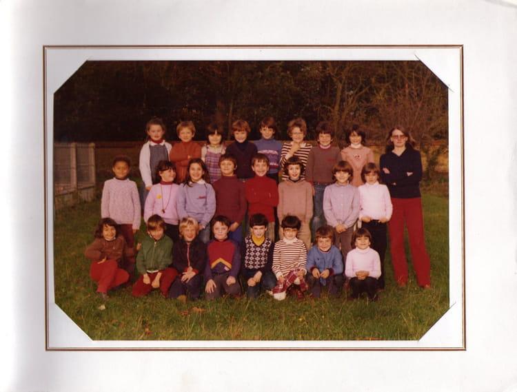 Photo de classe photo de classe ann e 1981 1982 de 1976 for Garage bailleau le pin
