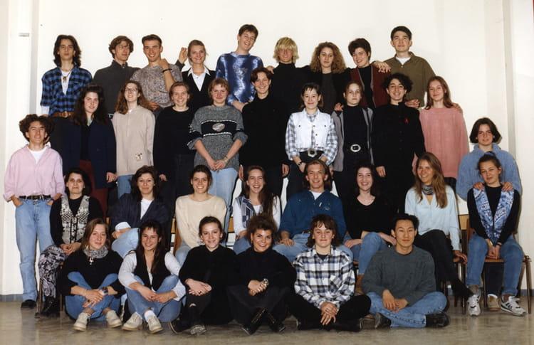 photo de classe 1 re f12 de 1994 lyc e jean paul sartre copains d 39 avant. Black Bedroom Furniture Sets. Home Design Ideas