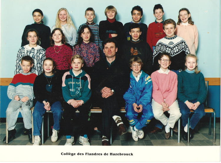 photo de classe 6eme de 1990 coll ge des flandres. Black Bedroom Furniture Sets. Home Design Ideas