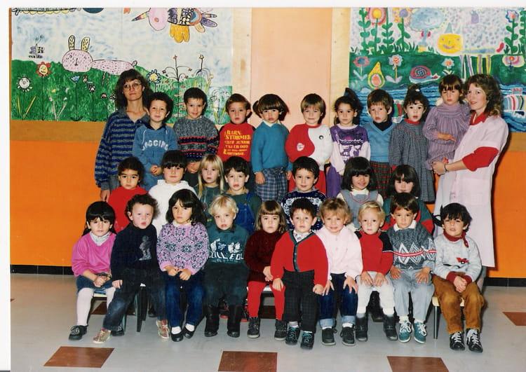 photo de classe 1 re ann e de maternelle de 1987 ecole jean villemin pont du casse copains. Black Bedroom Furniture Sets. Home Design Ideas