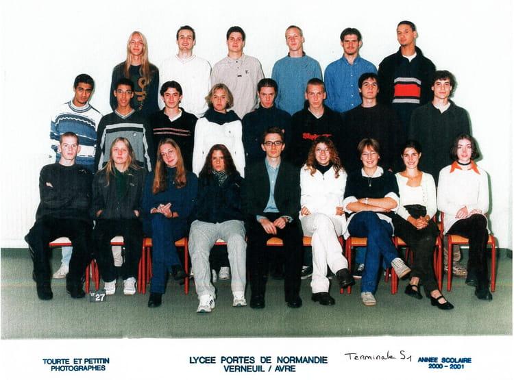 photo de classe terminale s 2000 2001 de 2000 lyc 233 e porte de normandie copains d avant