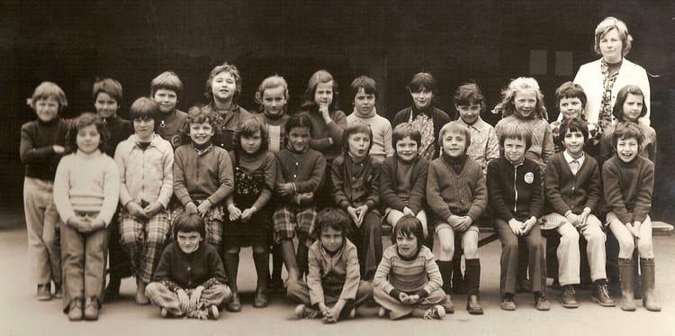 Photo De Classe Photo Scolaire Mme Sergent De 1976 Ecole Jean