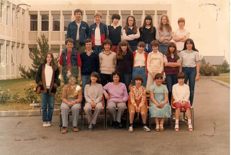 photo de classe 4 232 me a de 1982 coll 232 ge porte d anjou copains d avant