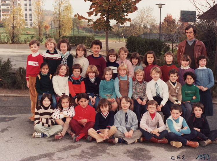 photo de classe ce2 de 1979 ecole jean moulin villers. Black Bedroom Furniture Sets. Home Design Ideas