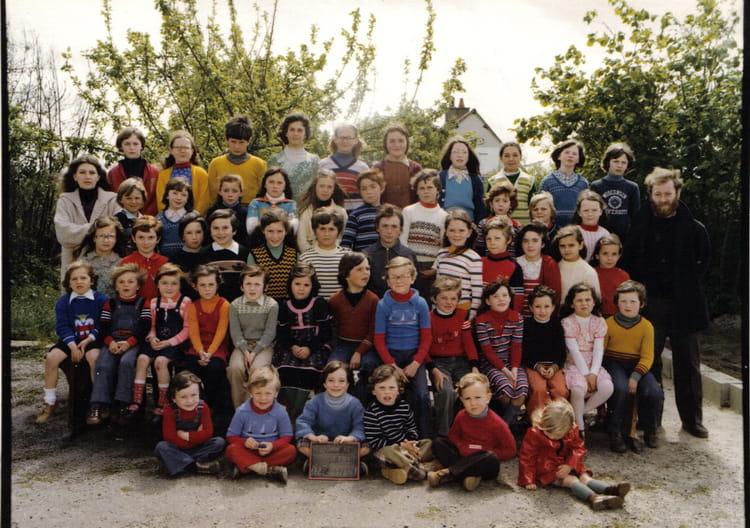 Photo de classe 1978 1979 saint armel saint jouan de l for Garage galivel saint jouan de l isle
