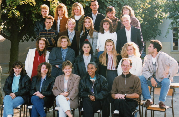 photo de classe bts action commerciale 2 me ann e de 1991 andre boulloche copains d 39 avant. Black Bedroom Furniture Sets. Home Design Ideas