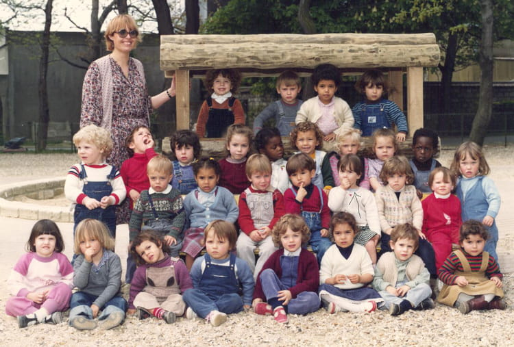 photo de classe ecole maternelle aristide briand montrouge de 1982 ecole maternelle aristide. Black Bedroom Furniture Sets. Home Design Ideas