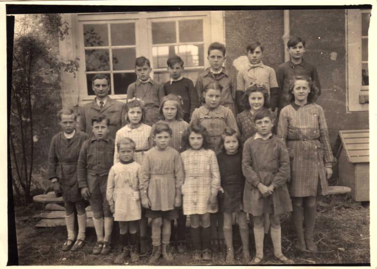 Photo de classe les annees 40 a montreau alain de 1946 for Cuisine annee 40