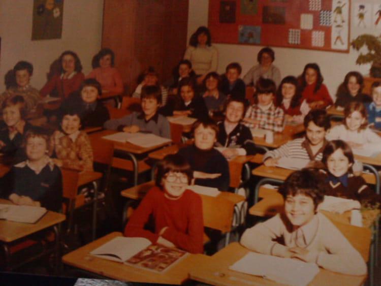 photo de classe cm1classe madame barrot de 1978 ecole arthur fleury gonfreville l orcher. Black Bedroom Furniture Sets. Home Design Ideas