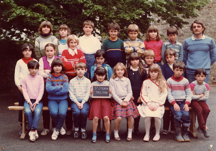 photo de classe ce1 ce2 de 1983 ecole sainte anne saint jouan des guerets copains d 39 avant. Black Bedroom Furniture Sets. Home Design Ideas
