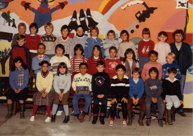 photo de classe ecole du centre cm1 de 1982 ecole du centre copains d 39 avant. Black Bedroom Furniture Sets. Home Design Ideas