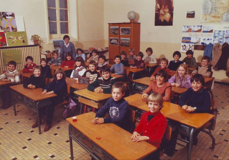 photo de classe ce1 ce2 1982 1983 de 1983 ecole nazareth chavagnes en paillers copains d 39 avant. Black Bedroom Furniture Sets. Home Design Ideas